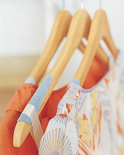para solucionar prendas escurridizasque se sostengan en la percha parchas de fieltro